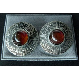 Brd. B: elegant 60ies clips with amber