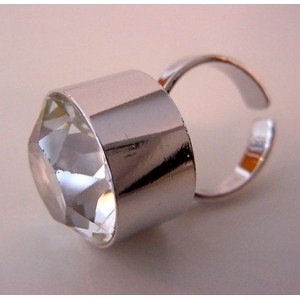 Outstanding Rock Crystal Ring UNI D